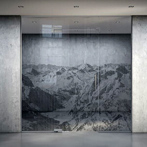 Laser engraving on glass with mountain motif