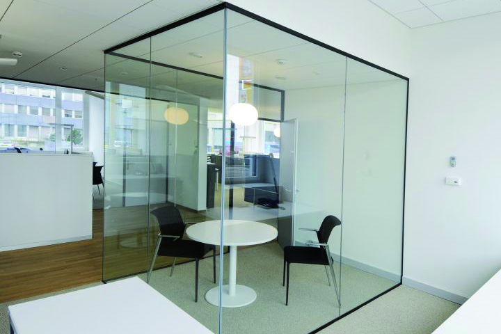 Glass partition wall meeting room