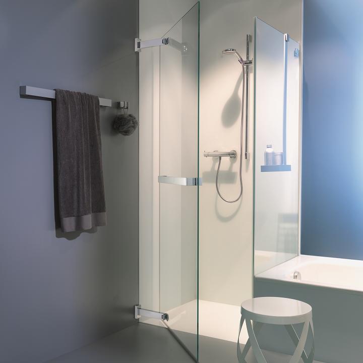 baignoire qui fait douche trendy with baignoire qui fait douche cuest le dernier le plus grand. Black Bedroom Furniture Sets. Home Design Ideas